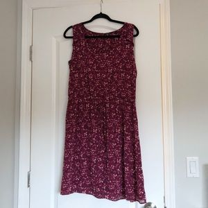 Reitman's Red Floral Sleeveless Dress w/Pockets